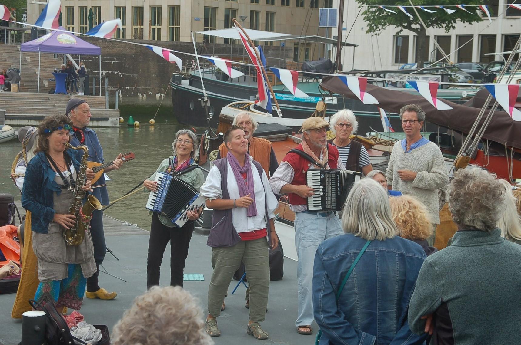 muziek in de museumhaven Rotterdam