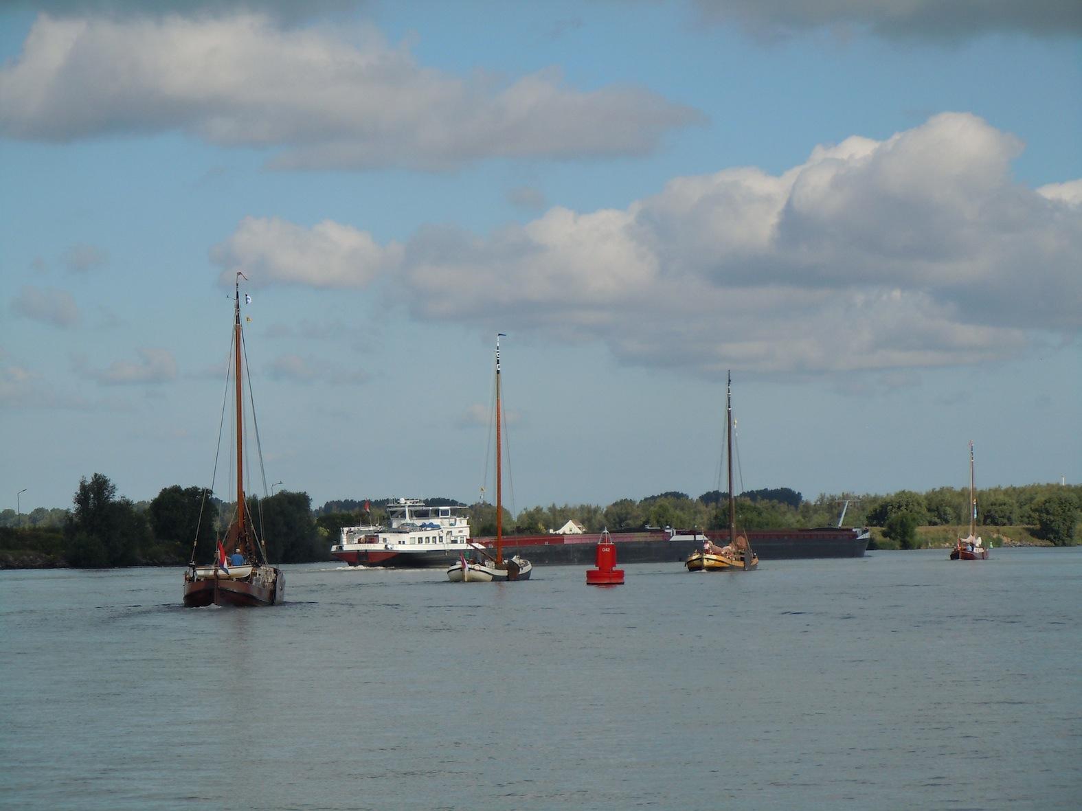 Foto's aanbrengtocht vanuit Dordrecht